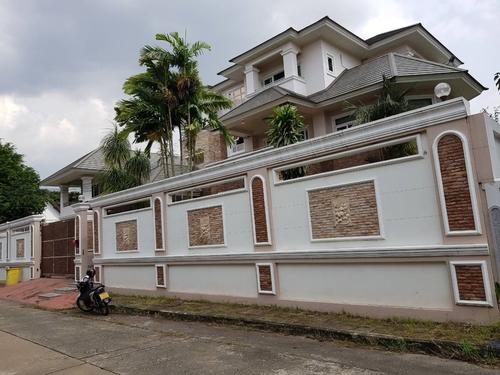 บ้าน 3ชั้น พร้อมออฟฟิศ แยกอีกหลัง 850ตรม พร้อมอยู่เลย ขายหรือเช่า ถูกมากภายในสิ้นปีนี้ต่อรองราคาได้