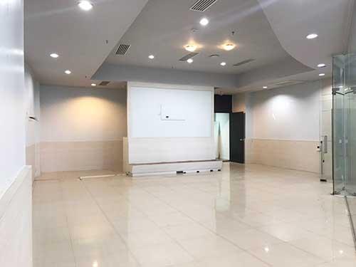 พื้นที่ให้เช่าติดบีทีเอสบางนา เชื่อมต่อSkywalk สู่ไบเทคและBangkok mall เริ่ม 40-270 ตรม. ใต้คอนโด The Coast Bangkok