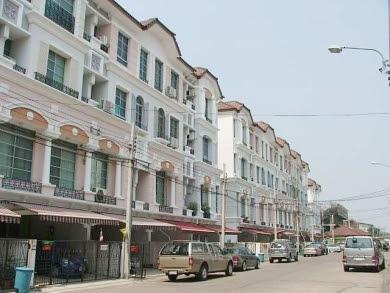 บ้านกลางเมืองพระรามเก้า-ลาดพร้าว โฮมออฟฟิศ ทาวน์โฮม 4 ชั้น 32 วา บน ถ.เลียบทางด่วนเอกมัย-รามอินทรา