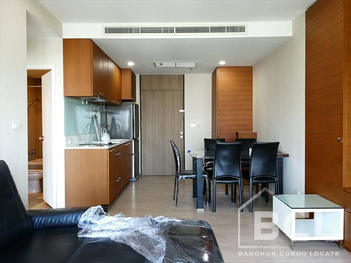 Extensive 1 Bedroom Apartment for Rent at El Patio Sukhumvit 31