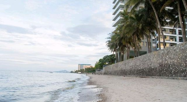 SALE CONDO , VIP Condo Chain Cha-am Huahin Fully Furnished, Decorated, Sea side and Pool View, Ready to move, CHEAP PRICE