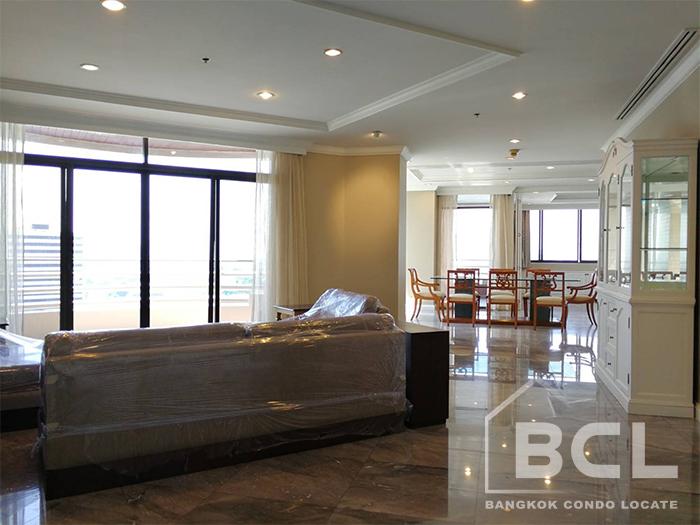 Ruamsuk Condominium for Rent on Sukhumvit Soi 26 – Phrom Phong