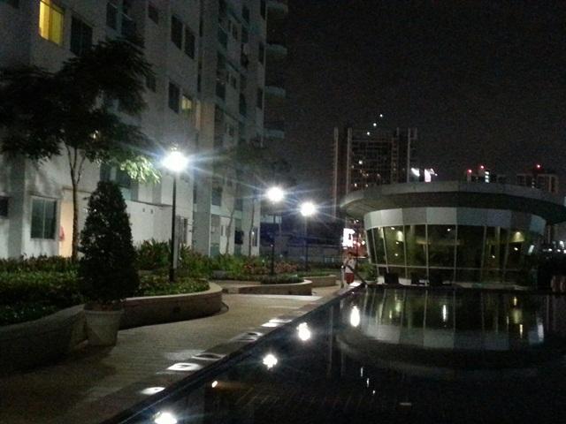 คอนโดศุภาลัย ปาร์ค อโศก รัชดา  ใกล้เซ็นทรัลพระรามเก้า  ใกล้รถไฟฟ้าใต้ดินMRT สถานีพระราม9  วิวสระว่ายน้ำ