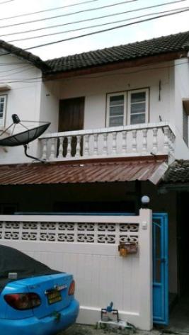 บ้านแฝด ถนนพหลโยธิน 67