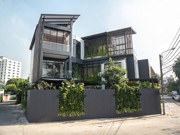 บ้านใหม่กริ๊บ พร้อมสระว่ายน้ำ เหมาะสำหรับทำสำนักงานหรือที่พักอาศัย Brandnew Single House with Pool. Good for Office or Residence