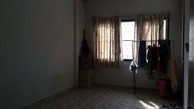 ทาวน์เฮ้าส์ราคาถูกที่สุด 2 ชั้น  1.1ลบ.17 ตรว 2น  2น้ำ ม.วังทอง เพชรเกษม 77  สวัสดิการ2 ซอย13 ทำเลดี ใกล้ ทางเข้าหมู่บ้าน ,7/11