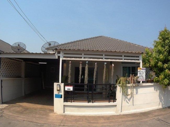 ขายบ้านแฝด ชั้นเดียว ม.กรีนพาร์ค อเวนิว (บึง ศรีราชา ชลบุรี) 38.5 ตารางวา บ้านสวย น่าอยู่มาก ราคาไม่แพง