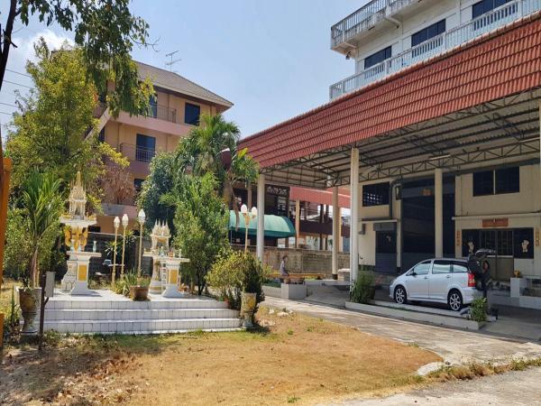 อาคารสำนักงานและโกดัง พระราม 2 พื้นที่สีม่วงอ.1-4 รววมอาคารพักคนงาน 2 ชั้น (10 ห้อง)