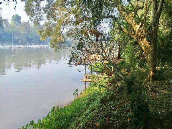 ขายบ้าน 2 หลัง พร้อมที่ดินริมแม่น้ำแควน้อย กาญจนบุรี เนื้อที่ 10–0-92.7 ไร่
