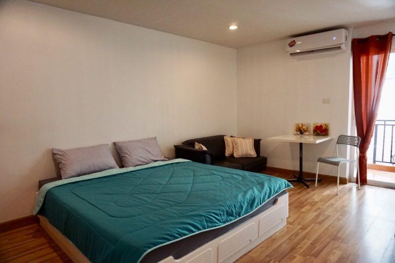 ให้เช่าคอนโด ใกล้ MRT ลาดพร้าว Regent home12 ราคา 7,000 บาท/เดือน 0843886887 lineid:linvicha
