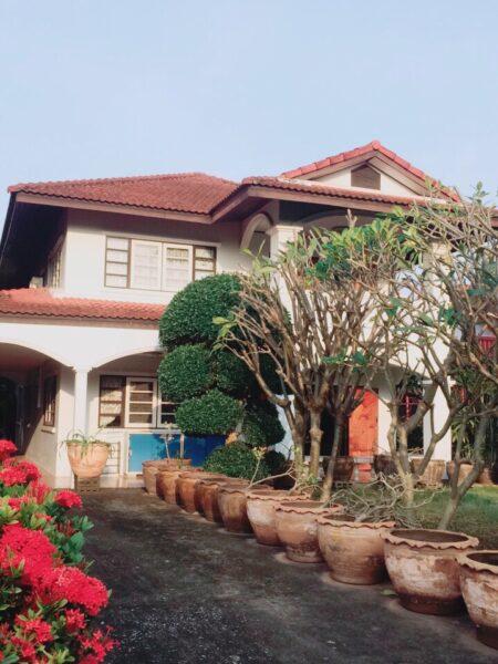 ขายบ้านเดี่ยว 2 ชั้น พร้อมอยู่ 2 ชั้น เนื้อที่ 400 ตรว (1ไร่) อำเภอเมือง ราชบุรี โทร 086-167-5544