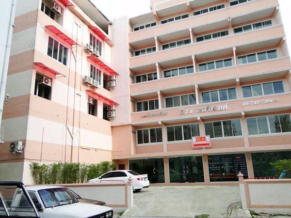 ขายกิจการอพาร์ตเมนต์ ย่านสุขุมวิท50 ห่างจากบีทีเอสอ่อนนุช 1.5 ก.ม. 103 ตารางวา 49 ห้อง 6 ชั้น