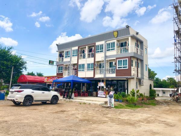 ขายด่วน หอพักใหม่3ชั้น 12ห้อง บนเนื้อที่ดิน 200 ตรว. พร้อมเฟอร์นิเจอร์ทุกห้อง ลาดหลุมแก้ว ปทุมธานี