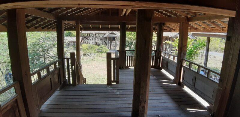 ขายถูก รีสอร์ท เนื้อที่ที่ดิน 2-2-50 วา พร้อมบ้านพัก 6 หลัง ทำเป็นรีสอร์ท ตำบล ทุ่งรวงทอง อำเภอ แม่วาง เชียงใหม่ บ้านปลูกสร้างด้วยไม้ ทุกหลัง เน้นธรรมชาติไว้รองรับนักท่องเที่ยว