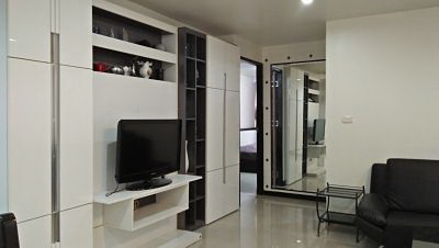 Luxury Condo sukhumvit 15  for rent  the nice room very golden location fully furnished