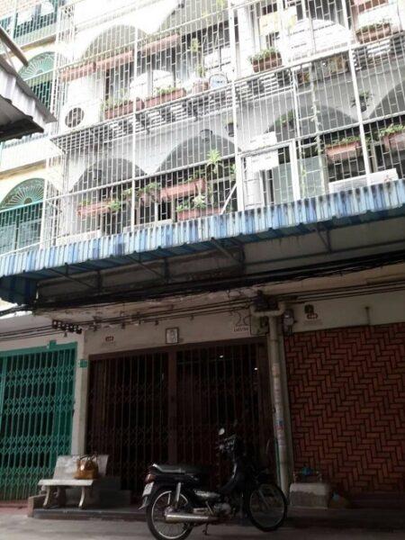 ขายอาคารพาณิชย์ 2 คูหา 26 ตรว. 4 ชั้น ถนนเจริญรัถ8 ซอยสุทธศึกษา คลองสาน วงเวียนใหญ่ ติดต่อ081-4243141
