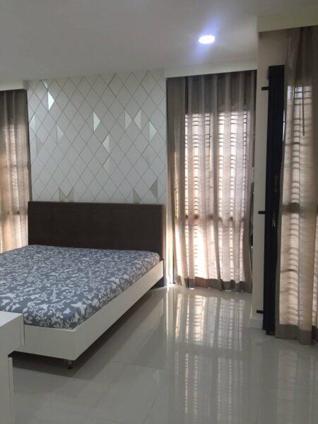 ขายบ้านในโครงการ สุดหรู  ในชลบุรี  หมู่บ้าน Perfect place เส้นอ่างศิลา ขายเพียง 8.59 ล้านบาทเท่านั้น 091-0828888