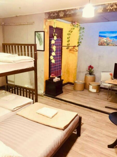 Lease small business adapt House for will be hostel early Sukhumvit