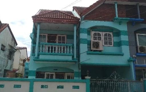 B818 ให้เช่าทาวน์โฮม2ชั้น หมู่บ้านรังสิยา ซอยรามอินทรา74 ติดถนนใหญ่ มี 4 หัองนอน 3ห้องน้ำ ค่าเช่า 12,000 บาท