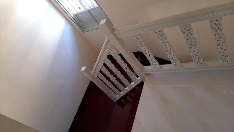 บ้านพฤกษา บี ทาวน์เฮาส์ 2 ชั้น ขนาด 18 ตารางวา พร้อมต่อเติมที่จอดรถ มี 3 ห้องนอน 2 ห้องน้ำ