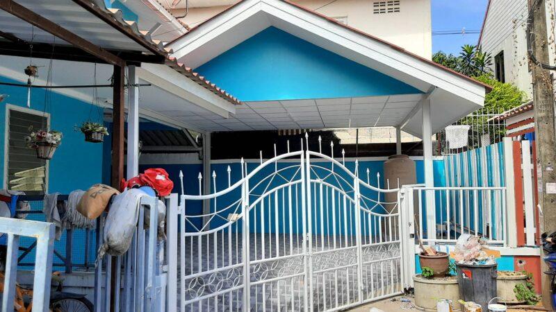 บ้านพฤกษา 9 ทาวน์เฮาส์ 2 ชั้น ขนาด 28 ตารางวา พร้อมต่อเติมครัว ที่จอดรถ ห้องเก็บของ มี 3 ห้องนอน 2 ห้องน้ำ