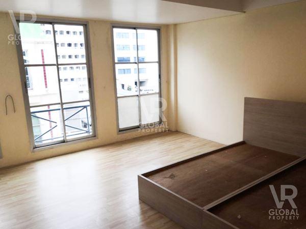 ขายอาคารพาณิชย์ ย่านสีลม 4 ชั้น ในโครงการสิริสแควร์ พื้นที่ใช้สอยรวม 210 ตร.ว.
