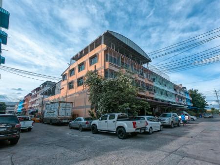 ขาย อาคารพาณิชย์ ห้องมุม สุนทร5 หนองแขม กรุงเทพฯ 2000 ตรม. 160 ตร.วา