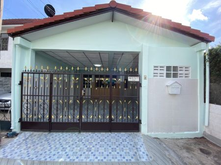 ขาย ทาวน์โฮม ราคาพิเศษ สมชายพัฒนา บางกรวย 129 ตรม. 22 ตร.วา หลังมุม รีโนเวทใหม่พร้อมอยู่