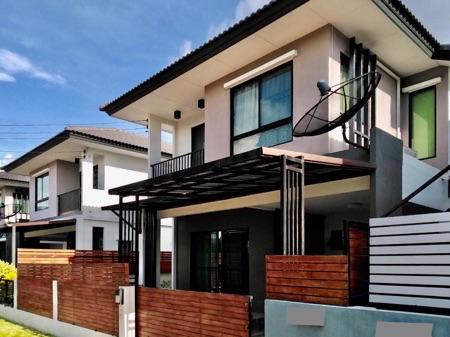 ขาย บ้านแฝด ขาดทุน เดอะทรัสต์ สุวรรณภูมิ-เทพารักษ์ ขนาด 35 ตรว. พื้นที่ 128 ตรม. สภาพใหม่ ใกล้มหาลัยหัวเฉียว เข้าออกได้หลายทาง