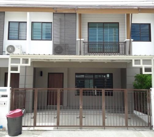 B755 ให้เช่าทาวน์โฮม2ชั้น บ้านพฤกษาวิลล์73 พัฒนาการ44ขนาด 21 ตรว มี 3ห้องนอน 2ห้องน้ำ มีเฟอร์นิเจอร์พร้อมอยู่ ค่าเช่า 26,000 บาท