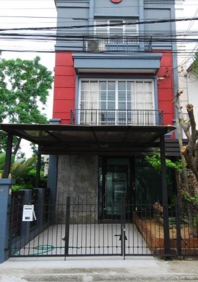 B855 ให้เช่าบ้าน 3 ชั้น หมู่บ้านชาลิศา ซอยลาดพร้าววังหิน 34 นาคนิวาส 48  ขนาด 29 ตรว มี 4 ห้องนอน 3 ห้องน้ำ ค่าเช่า 30,000 บาท เหมาะอาศัย ทำโฮมออฟฟิศ เดินทางสะดวกมาก