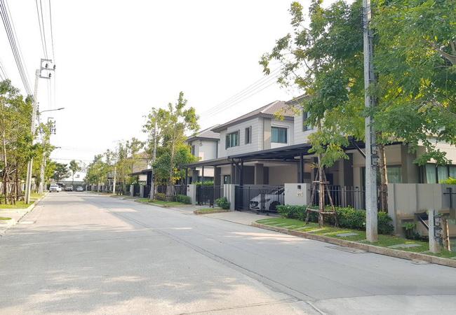 ขาย บ้านแฝด วี คอมพาวด์ ราชพฤกษ์-ปิ่นเกล้า สวนผัก 32 ถนนราชพฤกษ์ อ.บางกรวย จ.นนทบุรี
