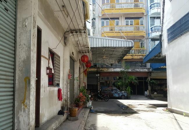 ขาย อาคารพาณิชย์ ซอยจอมทอง 13 ถนนจอมทอง เขตบางขุนเทียน กรุงเทพมหานคร
