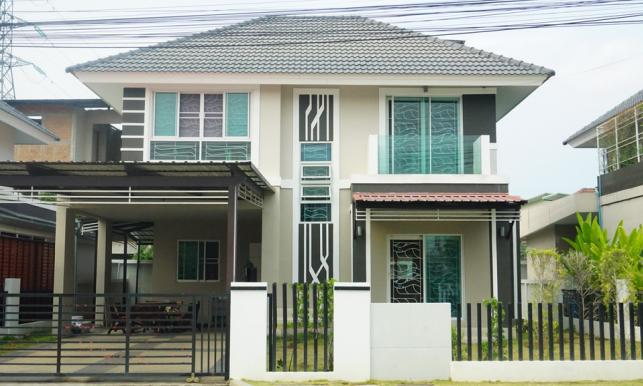ขายบ้าน : บ้านเดี่ยว 2 ชั้น 3 นอน 3 น้ำ 1.5 กม. จากมีโชคพลาซ่า. ถ.ชม-เเม่โจ้