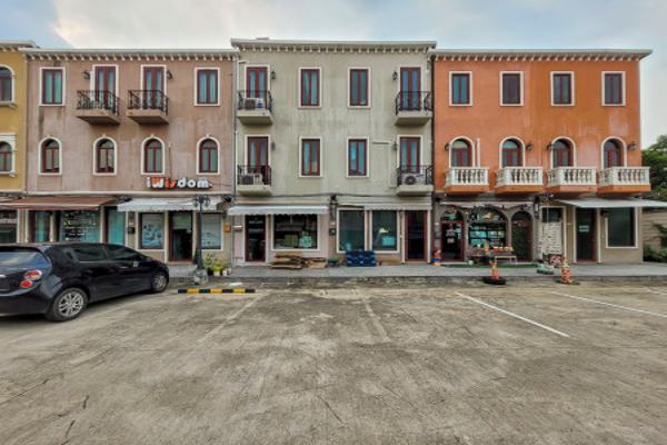ขาย อาคารพาณิชย์ สไตล์อิตาเลียนแท้ เวนิส ดี ไอริส วัชรพล 158 ตรม. 19.8 ตร.วา