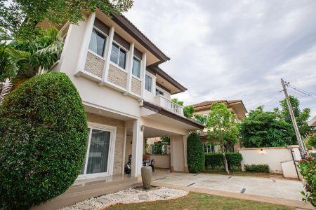 ขาย บ้านเดี่ยว ถูกสุดในโคงการใกล้แยกรวมโชค เชียงใหม่ เพียง5.5ลบ. เม้าท์เท่นวิวล์ 180 ตรม. 83 ตร.วา 2 ห้องนั่งเล่น 1 ครัว
