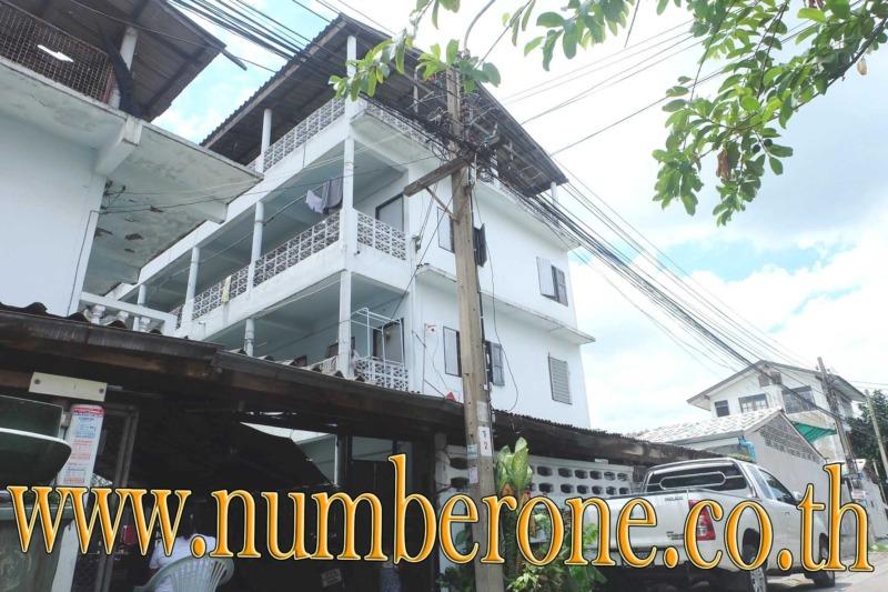 ขายถูกหอพัก 3 ชั้น 15 ห้อง ถนนรามอินทรา46/1 น่าลุงทุน ขายพร้อมผู้เช่าเต็มทุกห้อง