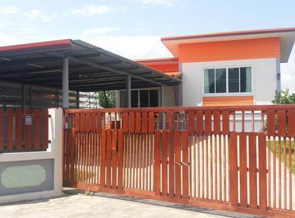 ขายบ้านพร้อมที่ดิน ตำบลห้วยยาบ อำเภอบ้านธิ จังหวัดลำพูน 119 ตารางวา สนใจติดต่อ 090-317-2860