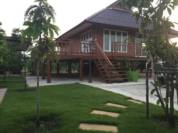 ขายบ้านเดี่ยว พร้อมเรือนรับรอง บรรยากาศรีสอร์ท อ.เดิมบางนางบวช จ.สุพรรณบุรี โทร.092-2808087