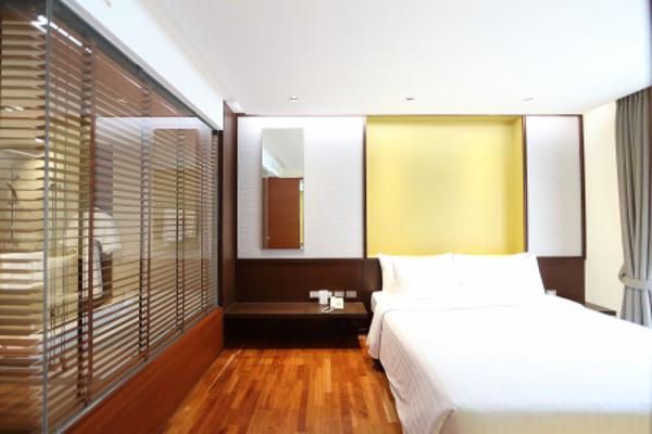 4 star hotel at Ratchada for rent, monthly rental for two bed room 96 sqm full service, rare price