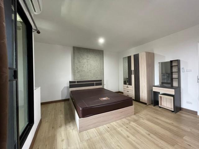 ขาย อพาร์ทเมนท์ใหม่ 5 ชั้น ซอยรัชดาภิเษก 36 แยก 9-3-6-1 พื้นที่ 95 ตรว ตกแต่งสไตล์ Minimal Loft