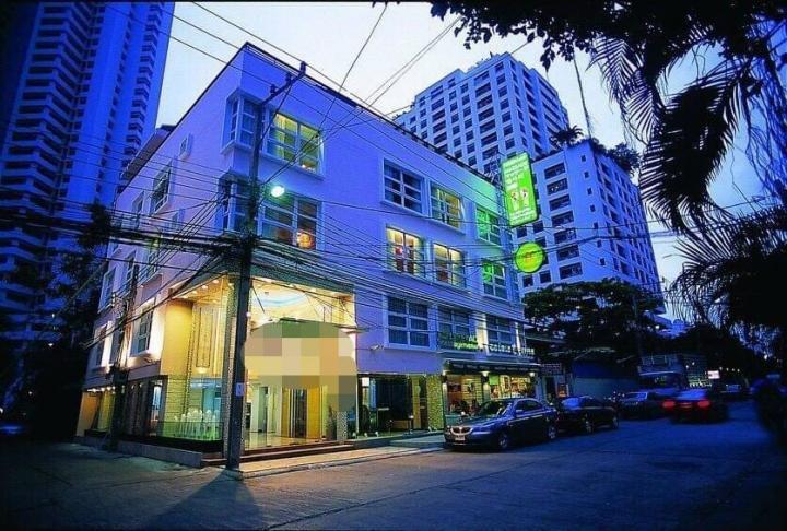 ขายโรงแรมสุขุมวิทซอย 11 พื้นที่ 69 ตารางวาเนื้อที่ใช้สอย 1200 ตารางเมตร